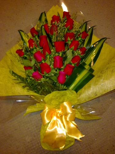 Exquisite Bunch of Red Roses